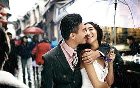 《好评如潮》古城街拍  雨中恋人浪漫专题系列