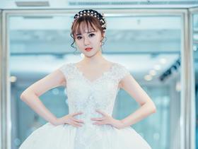 《洛维思婚纱高级定制》梦幻公主婚纱