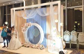 KK纯色婚礼策划-香槟金与蒂芙尼蓝的搭配