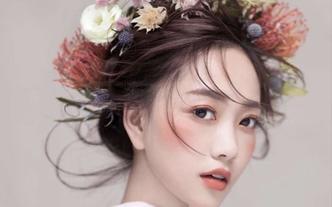 【爱你一生】总监档全天跟妆+免租婚纱+伴娘服