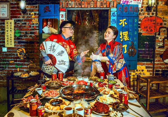 重庆旅拍国潮风火锅包住宿+产品邮寄