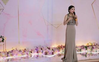 珠海主持人曼曼-用声音传递爱,让每场婚礼有温度