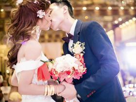 蜗牛高端婚礼摄影 化妆 摄影 摄像 全天服务