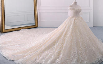 轻奢婚礼|高级定制款轻奢典礼拖尾婚纱四件套