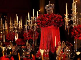 经典红婚礼布置+日午后的温度夹带着甜蜜与浪漫