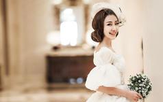 新娘造型与婚纱的完美结合