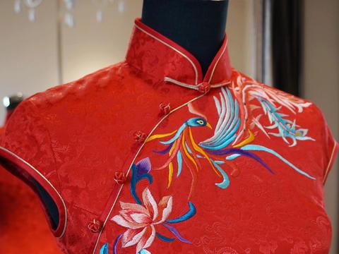 文艺抽象彩凤凰龙凤暗纹丝绸真丝短旗袍 中式敬酒服
