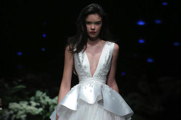 【Shenbai】白色深V婚纱