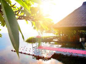 巴厘岛宝格丽酒店水台婚礼套系(明星杨幂婚礼场地)