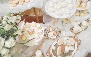 卡门喜剧婚礼甜品台
