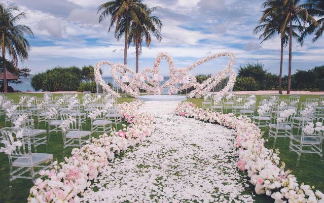 海边草坪婚礼 | 白粉色公主风