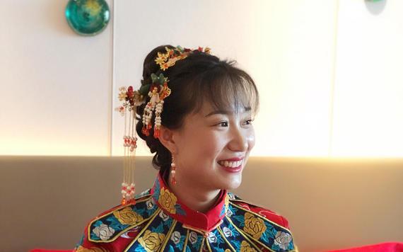 【超值套餐】高级化妆师时尚新娘妆全天跟妆+亲友妆