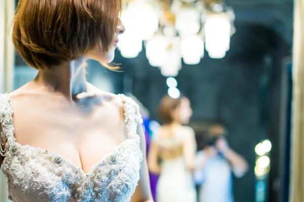 #文三店#西班牙蕾丝唯美珠花修身鱼尾婚纱