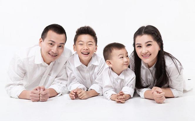 【客片欣赏】全家福写真特惠套餐-桐树里摄影