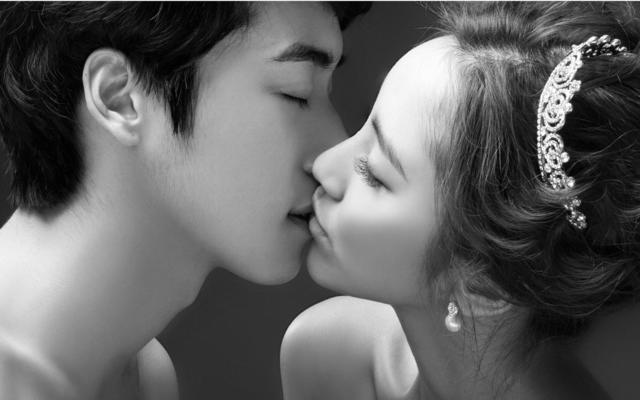 韩式黑白简约风格婚纱照-人气必选一套