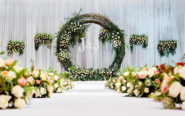 艾丽婚礼 白绿小清新森系全婚礼赠送精美多肉手捧花