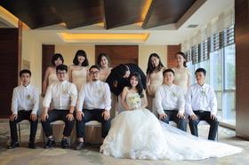 【吆柒婚礼跟拍】和好朋友们一起合影吧