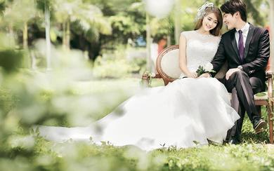 春季的婚礼像花儿一样绽放  《草坪婚礼》