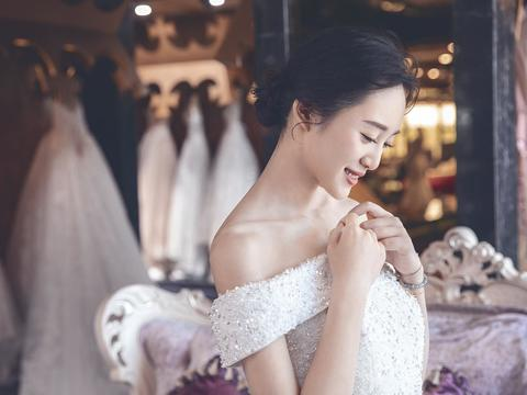 婉纱仙妮品牌-婚纱礼服系列2018新款一字肩白纱