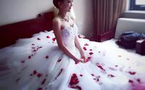 精品齐地出门婚纱礼服