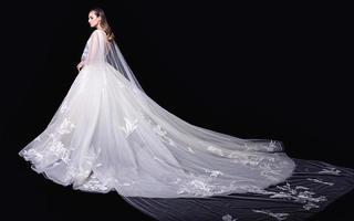一禾YIHE婚纱礼服