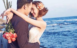 海景婚纱摄影佛山海边婚纱照沙滩礁石摄影东方新娘