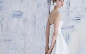 维尼婚纱          简约奢华款白纱
