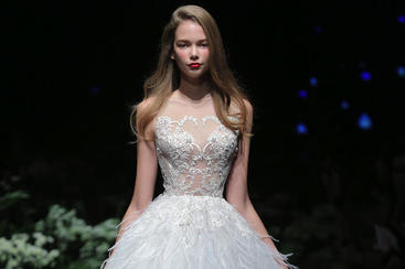 【Shenbai】短款羽毛精致白色婚纱