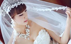 为您专属打造新娘造型  化妆造型师甜甜
