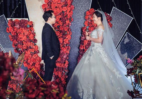 韩式红色系列皇室风【含四大金刚】花海阁婚礼