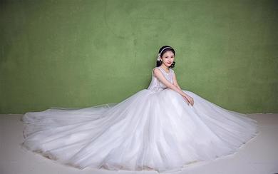 莫拉婚纱2018年宠爱系列新款 双肩修身款