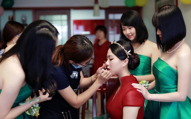 (国际一线化妆品)新娘专业跟妆