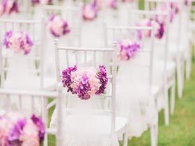 粉紫色的小清新草坪婚礼布置
