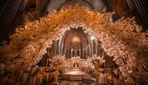 纯仪式婚礼布置,庄重地教堂婚礼