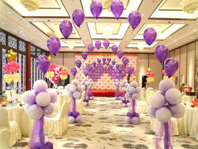 宴会室内气球婚礼简约新风尚-沈阳圣鑫装饰派对