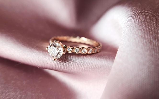 梵尼洛芙-艾薇丨设计款丨轻奢公主系列丨钻戒婚戒