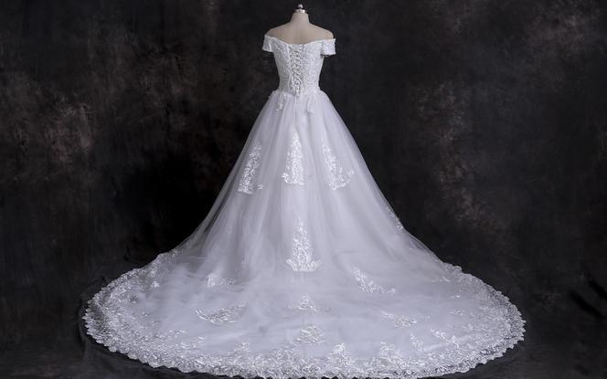 【2020新品】婚纱套餐限时优惠---经典三件套