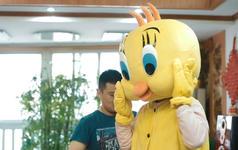 上海浦东国际机场《小黄鸡浪漫求婚》