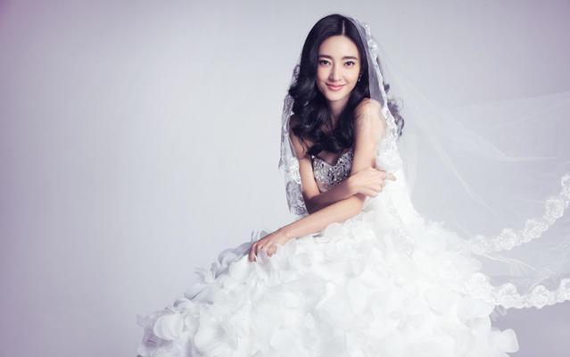 王丽坤婚纱同款—Hello魔镜高级婚纱礼服设计