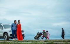 青海蒙蒙细雨下的旅行婚纱摄影(二)