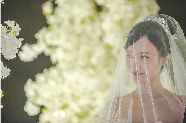 糖果婚纱 专属您的婚纱