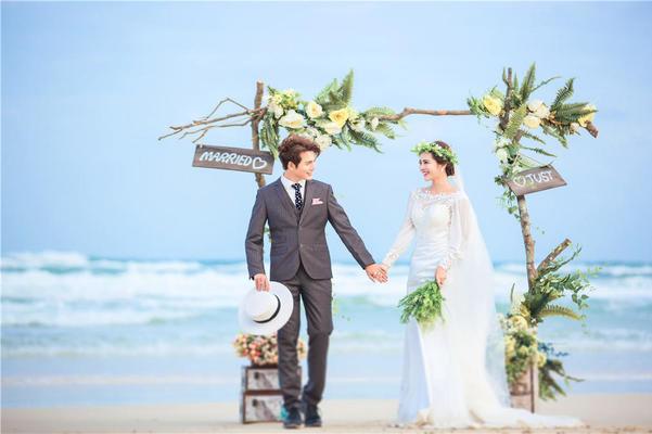 阳光海边沙滩椰林  巴黎印象 婚纱摄影-三亚站