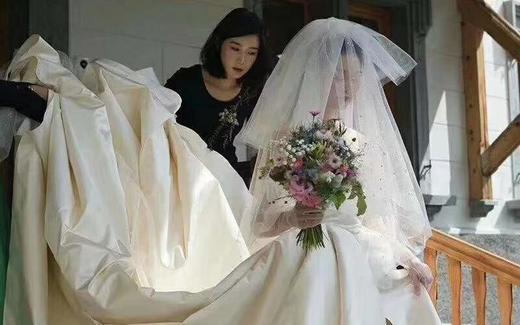 莉莎·艾薇客户返照国外简约婚礼