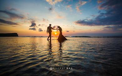 爱旅拍巴厘岛•原创作品•巴浪安沙滩绚阳金禧