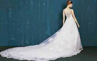 南宁洛维思婚纱