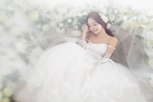 【皇家丽人婚纱摄影】小小新娘