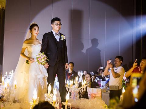 【艾米丽婚礼跟拍单机位摄影团队】