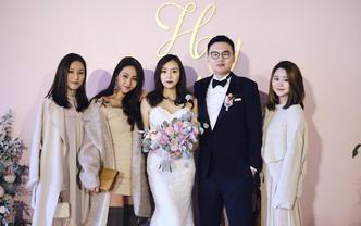 首席全天跟妆+3件婚纱礼服=5999