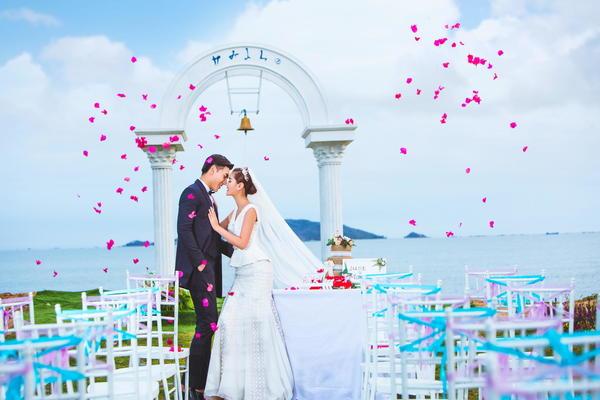 三亚-【玛莎妮娜】—婚纱摄影《满满的信任和爱》