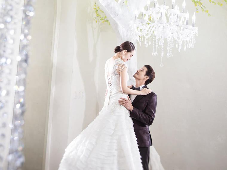 上海米兰精品婚纱摄影泰晤士小镇时尚婚纱照外景拍摄套餐